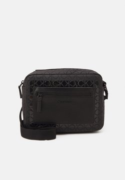 Calvin Klein - CAMERA BAG BLEND MONO UNISEX - Sac bandoulière - black