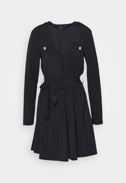 NIKKIE - SUZY UTILITY DRESS - Etuikleid - black