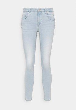 ONLY Petite - ONLDAISY LIFE PUSH UP  - Jeans Skinny Fit - light blue denim