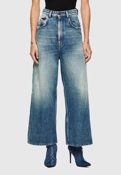 Diesel - Jeans a zampa - medium blue