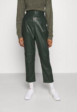 EDITED - MARJELLA TROUSERS - Spodnie materiałowe - grün
