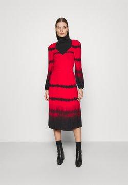Who What Wear - WRAP DRESS - Freizeitkleid - red