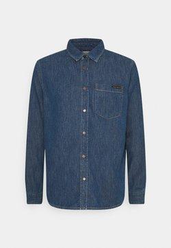 Nudie Jeans - ALBERT - Camisa - mid worn