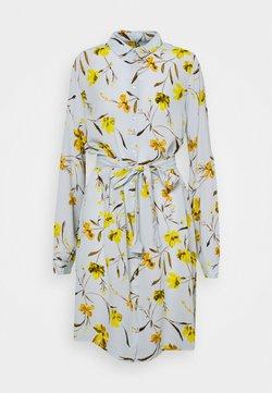 PIECES Tall - PCLILLIAN SHIRT DRESS - Blusenkleid - plein air