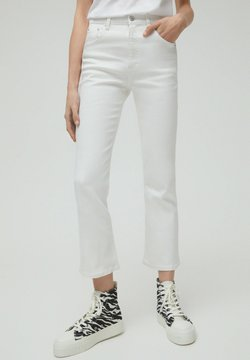 PULL&BEAR - Flared Jeans - white
