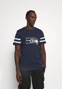 New Era - NFL SEATTLE SEAHAWKS INSPIRED TEE - Vereinsmannschaften - dark blue
