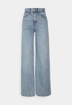 ONLY Tall - ONLHOPE LIFE WIDE - Flared jeans - light blue denim