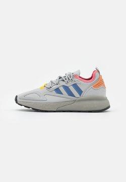 adidas Originals - ZX 2K BOOST  - Sneaker low - grey two/crest blue/hazel rose