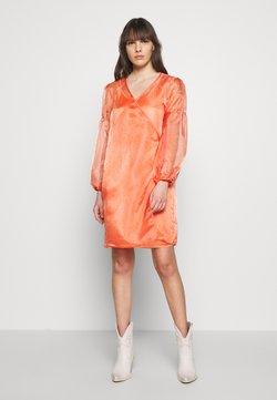HOSBJERG - ROCKET DRESS - Robe d'été - orange