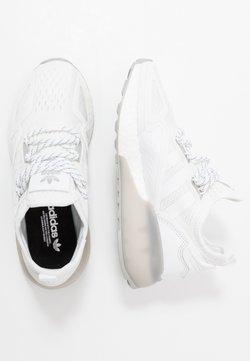 adidas Originals - ZX 2K BOOST - Sneaker low - footwear white/grey two