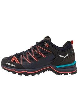 Salewa - MTN TRAINER LITE - Hikingschuh - premium navy/fluo coral