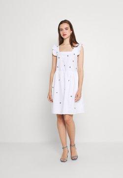 Trendyol - Freizeitkleid - white