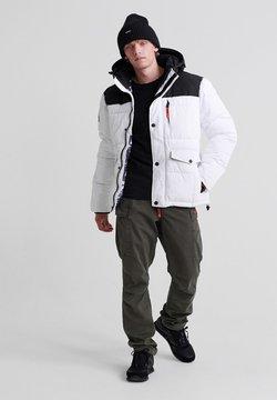 Superdry - Winterjacke - white