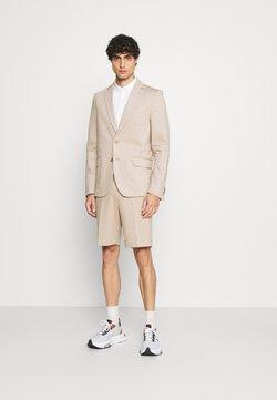 Isaac Dewhirst - SHORT SUIT - Anzug - beige
