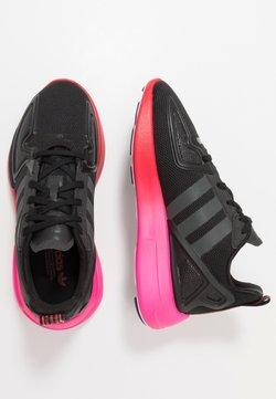 adidas Originals - ZX FLUX - Sneaker low - core black/grey six/shock pink