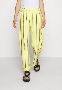 Obey Clothing - RONNY PANTS - Jogginghose - lemon multi