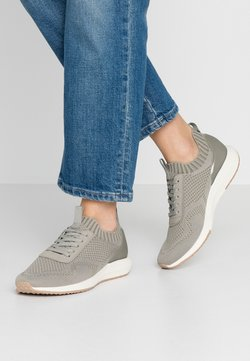 Tamaris Fashletics - Sneakers laag - light olive
