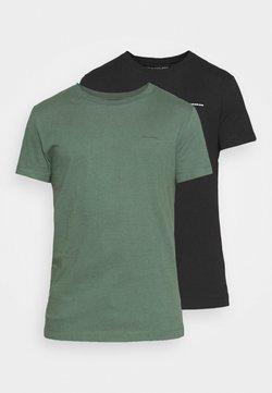 Calvin Klein Jeans - SLIM FIT 2 PACK - Camiseta básica - duck green/black