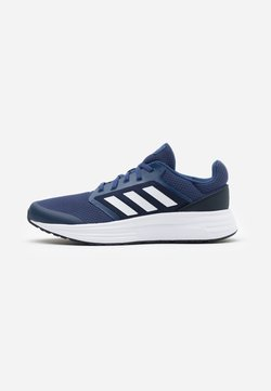 adidas Performance - GALAXY CLASSIC CLOUDFOAM SPORTS RUNNING SHOES - Zapatillas de running neutras - tech indigo/footwear white/legend ink