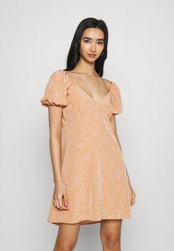 Fashion Union - COMBARRO DRESS - Freizeitkleid - brown