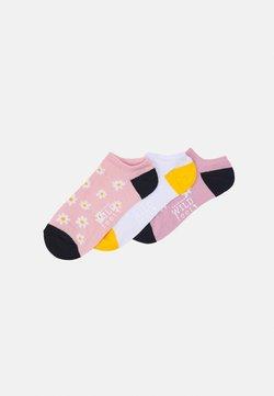 Wild Feet - DAISY TRAINER SOCKS 3 PACK - Socken - assorted