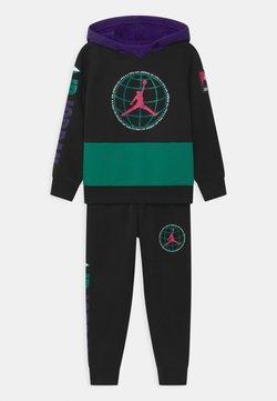 Jordan - MOUNTAINSIDE SET - Dres - black