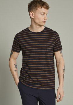 Matinique - MAJERMANE - T-Shirt print - buckthorn yellow