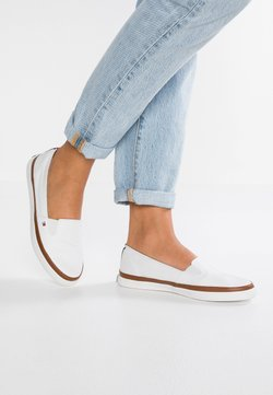 Tommy Hilfiger - ICONIC KESHA SLIP ON - Loaferit/pistokkaat - white