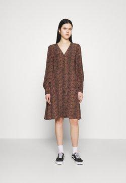YAS - YASLAIVO DRESS  - Vestido camisero - mocha mousse