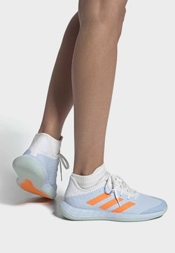 adidas Performance - ADIZERO FASTCOURT HANDBALL SHOES - Kuntoilukengät - blue