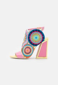 Kat Maconie - Sandalias - flamingo/multicolor