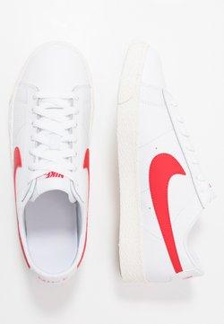 Nike Sportswear - BLAZER - Sneakersy niskie - white/university red/sail/light brown