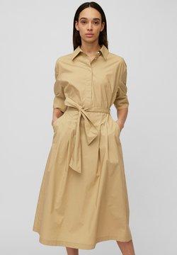 Marc O'Polo - DRESS STYLE BELTED WAIST - Sukienka koszulowa - sandy beach