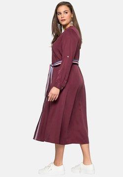 Sheego - Blusenkleid - burgundy