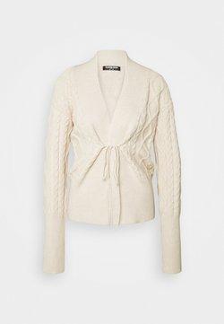 Fashion Union Tall - IVY - Vest - cream