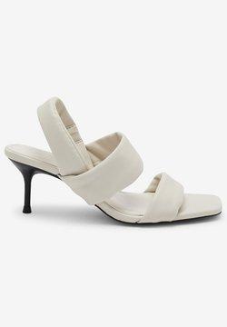 Next - TUBE - Korolliset sandaalit - white