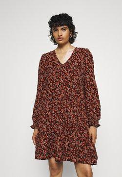 Vero Moda - VMSALINA DRESS - Vapaa-ajan mekko - chili oil/salina