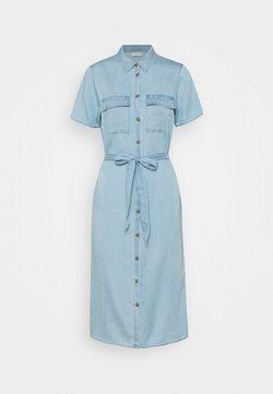 VILA TALL - VISABINA BISTA SHIRT DRESS - Denim dress - light blue denim