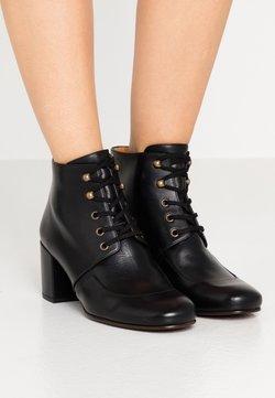 Chie Mihara - QUAIM - Ankle Boot - troka