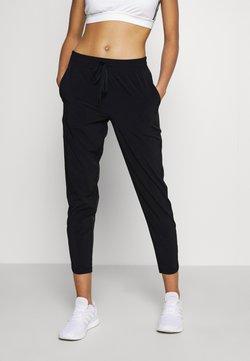 GAP - TAPERED PANT - Pantaloni sportivi - true black
