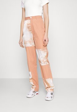 Missguided - PAISLEY PATCH DETAIL TROUSER - Stoffhose - peach