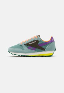 Reebok Classic - UNISEX - Sneakers laag - green slate/army green/major purple