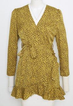 Missguided Petite - WRAP FRONT FRILL BELTED SKATER DRESS - Kjole - mustard