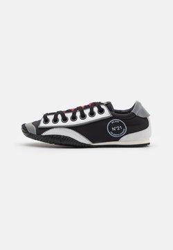 N°21 - Sneakersy niskie - black