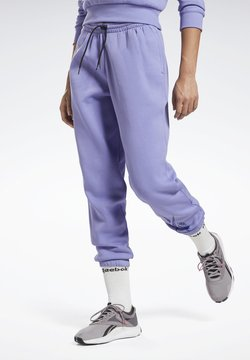 Reebok - MODERN SAFARI PANTS - Jogginghose - purple