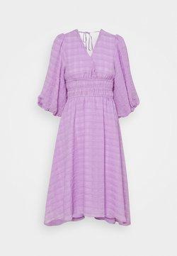 YAS Petite - YASSHEILA 3/4 MIDI DRESS PETITE - Vestido informal - sheer lilac