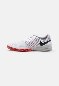 Nike Performance - LUNARGATO II - Chaussures de foot en salle - white/black/bright crimson/grey fog