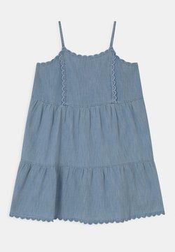 GAP - GIRL TIERD SCALLOP  - Jeanskleid - light-blue denim