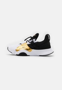 Nike Performance - SUPERREP GROOVE - Kuntoilukengät - white/black/metallic gold coin/black
