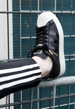 adidas Originals - SUPERSTAR BOLD W - Sneakers laag - black